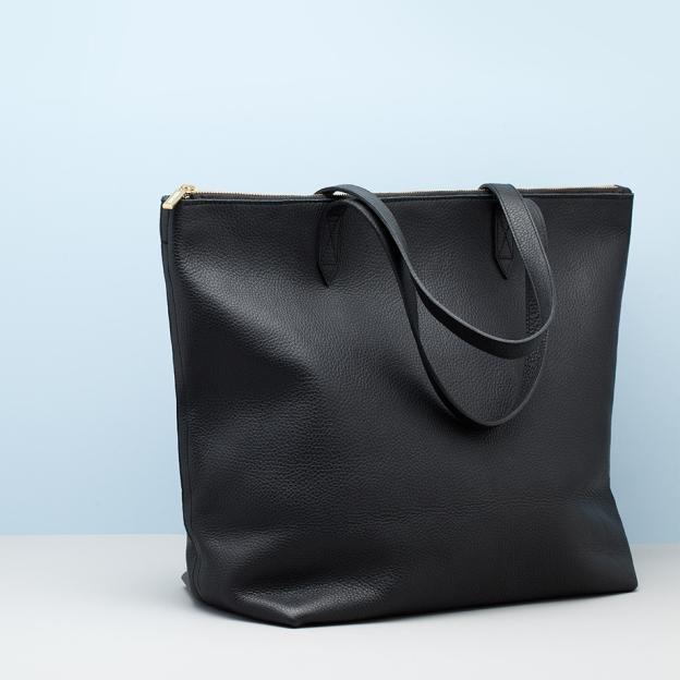 cuyana black zip tote.jpg